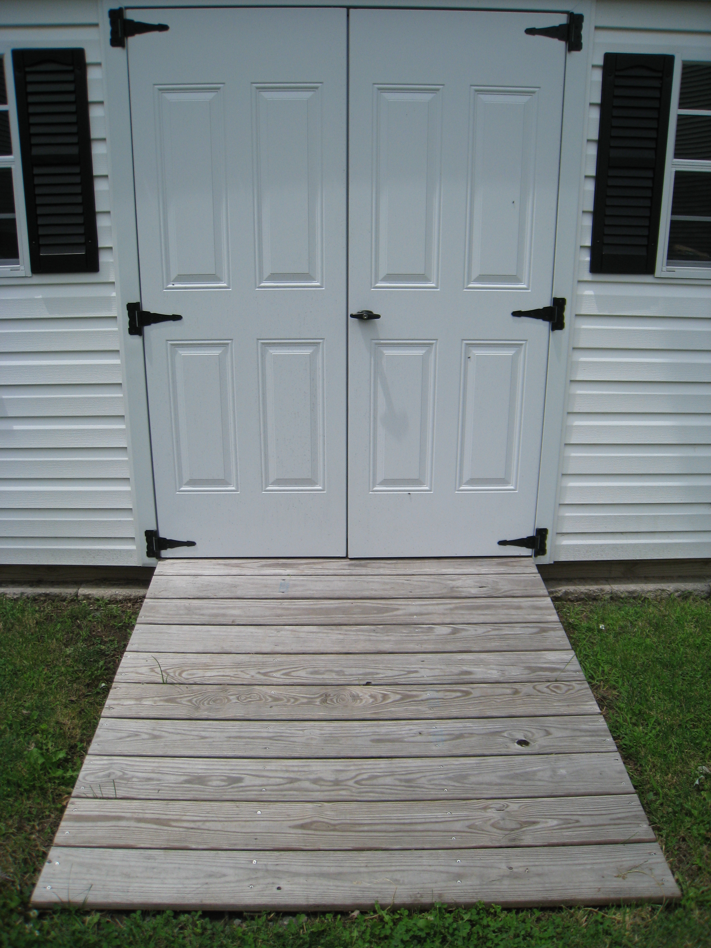Gentil Ramp To Outdoor Storage Shed