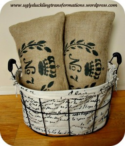 stencil, burlap, pillows, stenciled