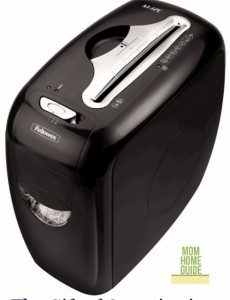 Fellowes M-12C Shredder: The Gift of Security #GiftFellowes
