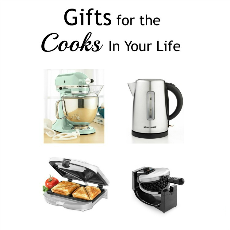 Christmas gifts for the home chef or cook in your life. I love these small appliances!