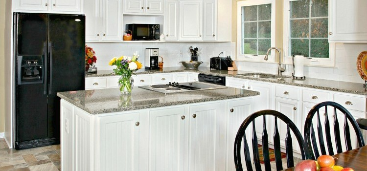 Budget Oak Kitchen Remodel & Giveaway!