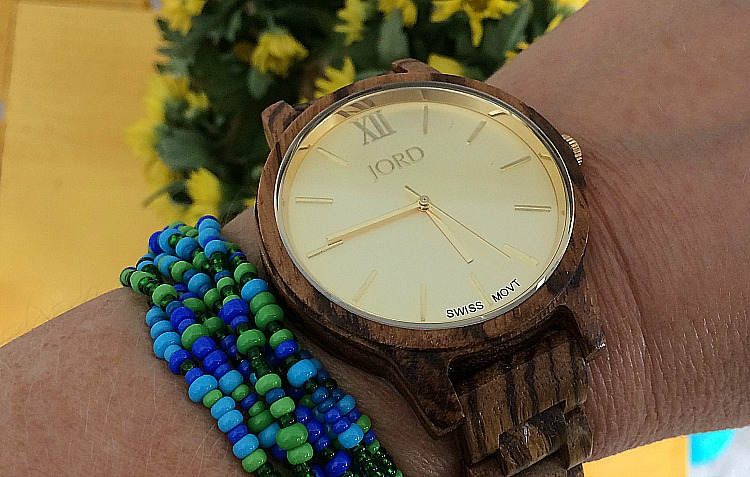 I love this cool watch by JORD