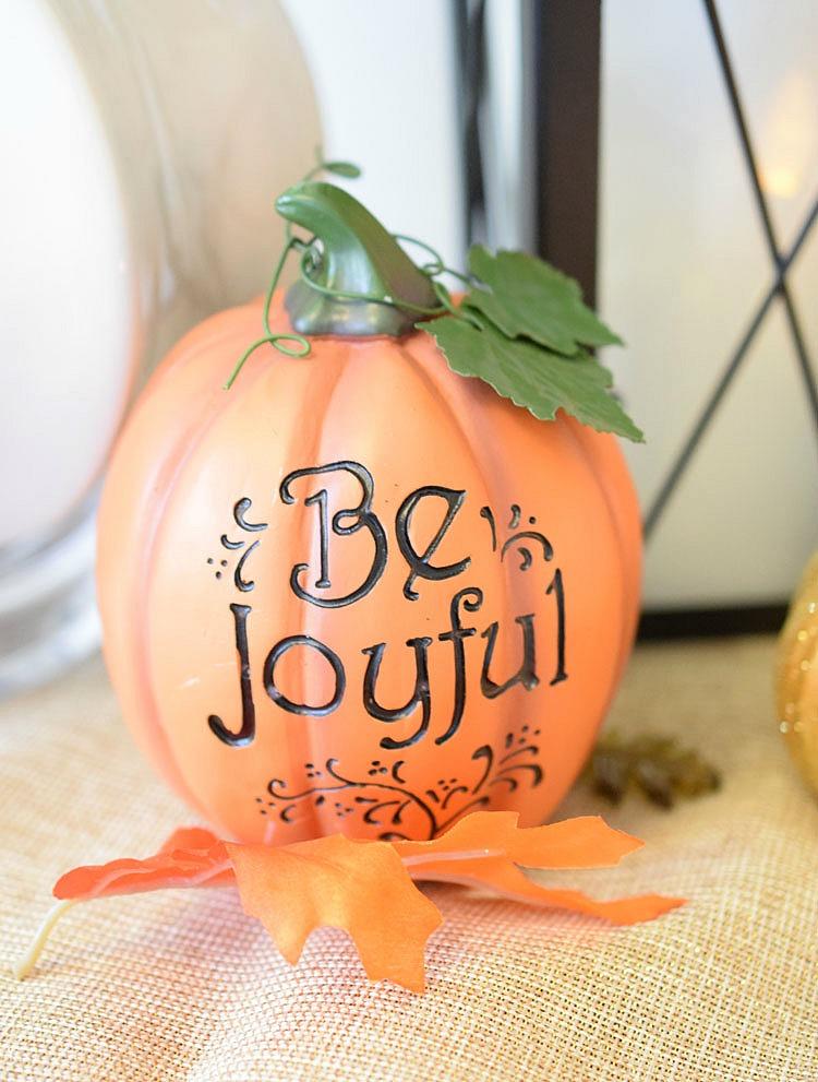 Be Grateful Thanksgiving pumpkin