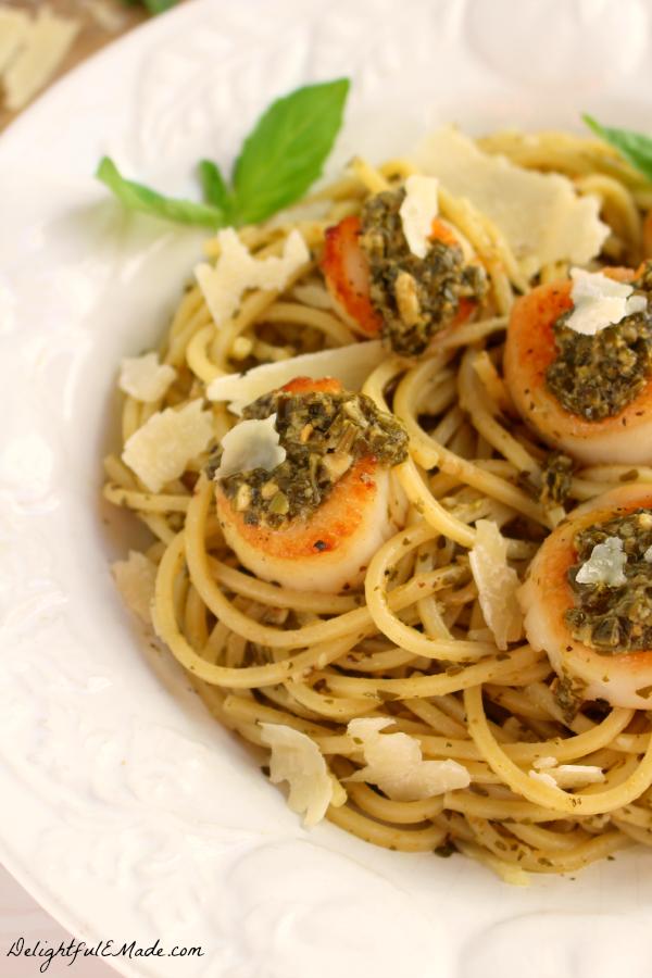Easy pesto with scallops recipe