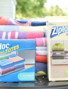 Organizing Beach Towels with Ziploc®