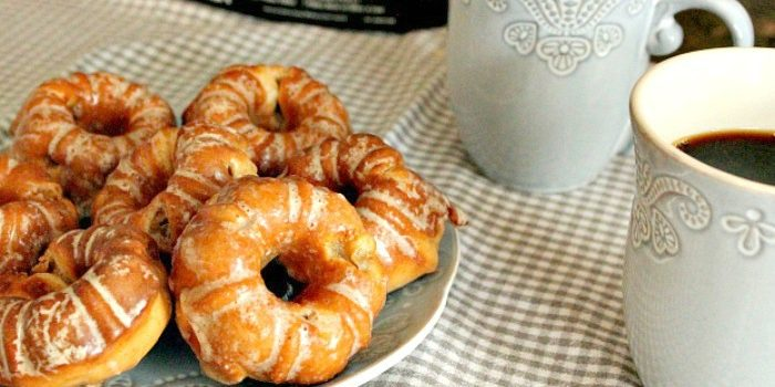 The Creative Corner Link Up Party & Sour Cream Apple Donuts