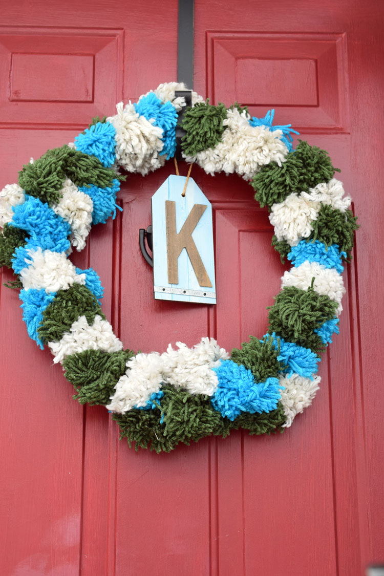 easy diy holiday pom pom wreath
