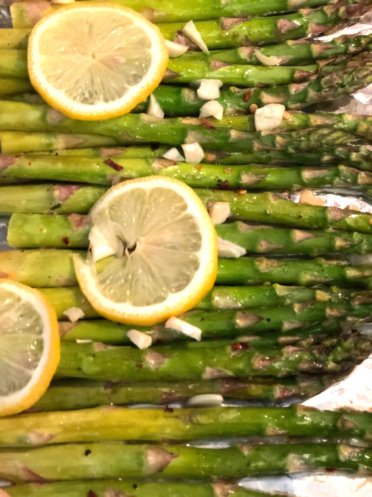roasted asparagus cooked with lemon and garlic