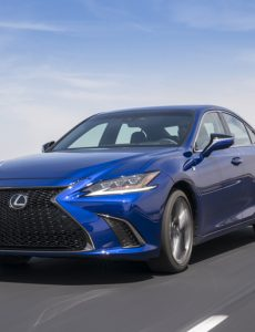 the new 2019 Lexus ES