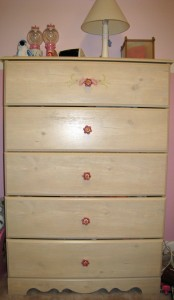 pretty Lily Rose five drawer dresser