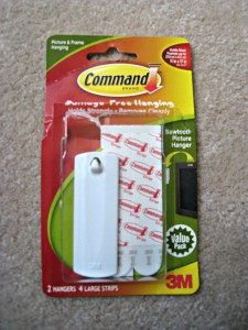 Command adhesive picture hook