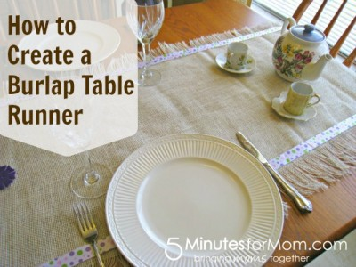 how to make, 5MinutesforMom, table runner, burlap, tutorial
