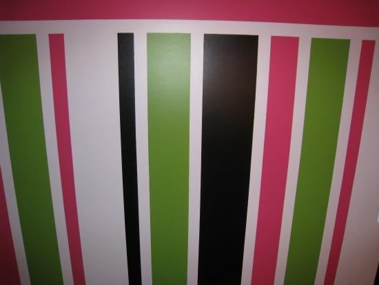 white, pink, black, green, painted, stripe, walls