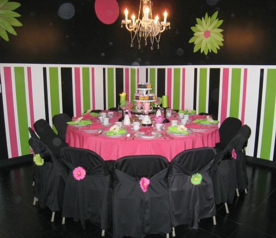 pink, green, white, black, stripe, paint, walls
