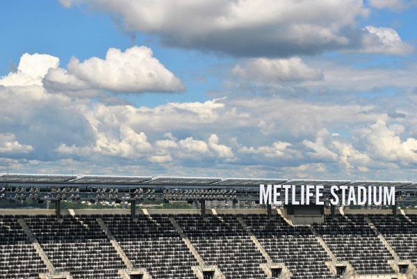 metlife stadium with solar panels