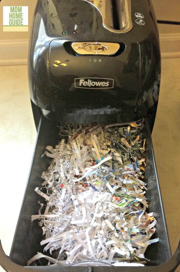 Fellowes M-12C shredder