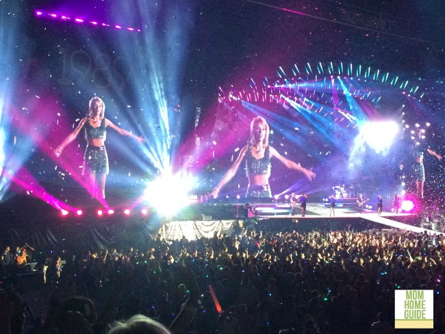 Taylor Swift 1989 concert at MetLife Stadium