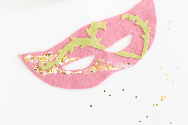 How to make a DIY fairy mask for Halloween