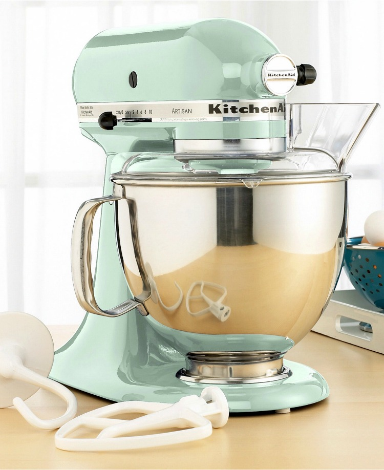 This beautiful pistachio KitchenAid mixer would be a great addition to my kitchen!