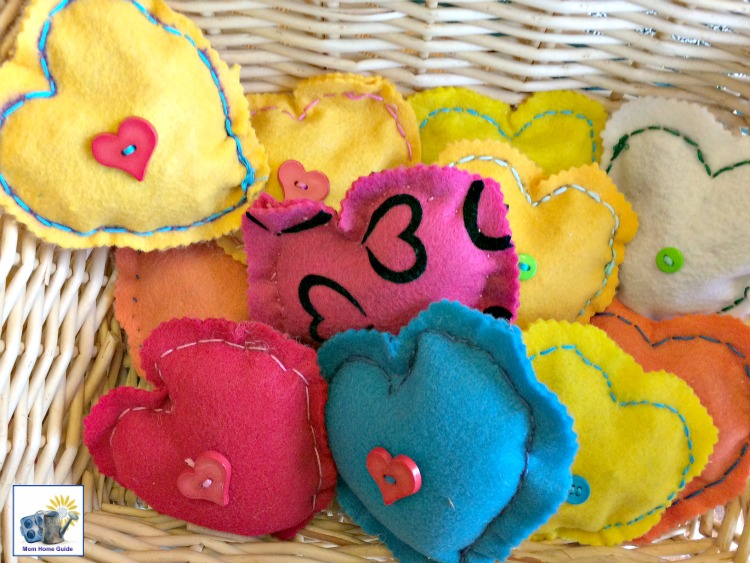 These easy to make stuffed Valentine's Day hearts make a great gift (or are great decor) for Valentine's Day!