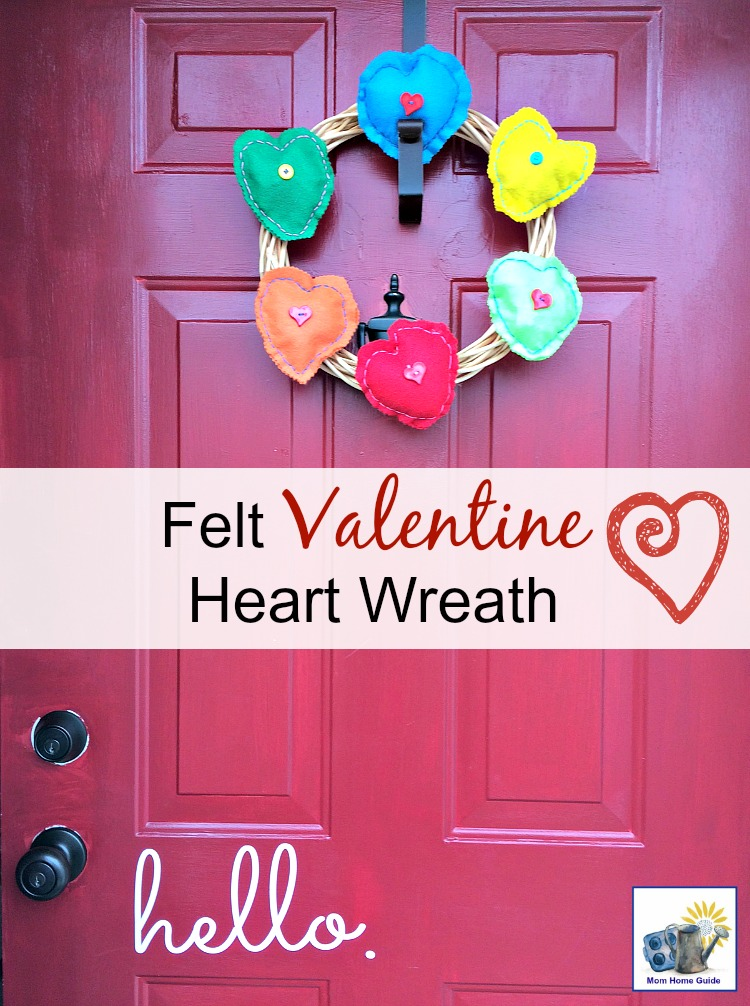 An easy to create felt valentine heart wreath for Valentine's Day!