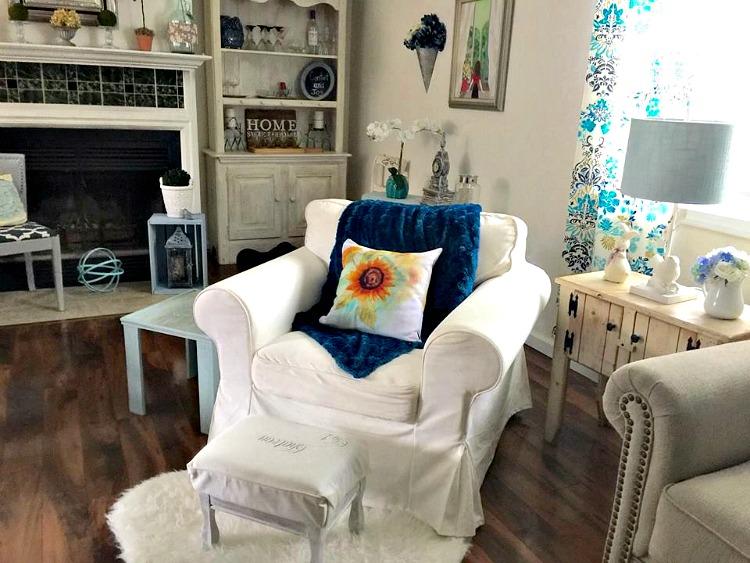 farmhoue style living room