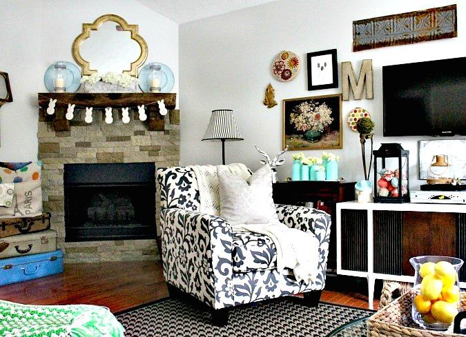Sweet Parrish Place spring livnig room