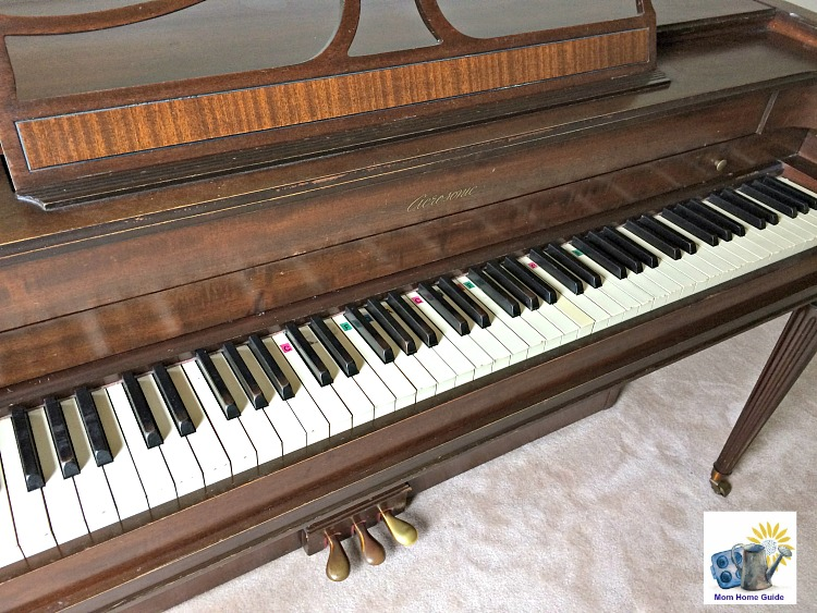 Acrosonic upright piano