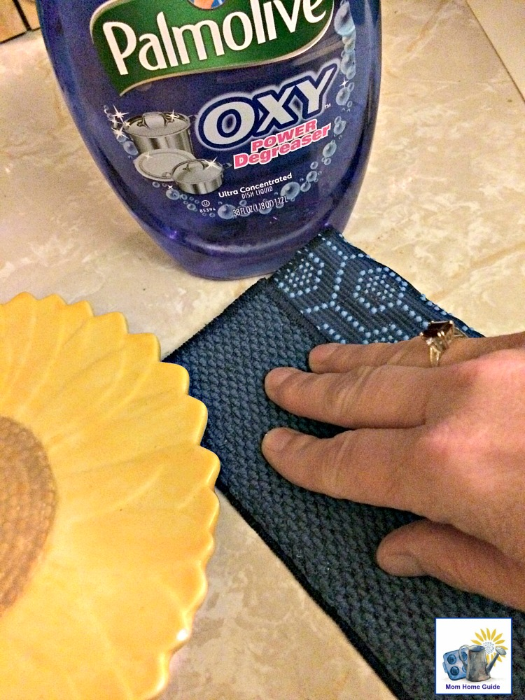 Scotch-Brite Scrubbing Dish Cloths are also great for cleaning kitchen counters!