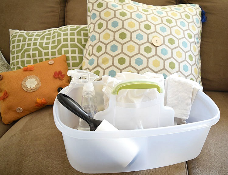 Easy and inexpensive hacks for keeping a living room clean