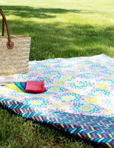 simple reversible picnic blanket tutorial