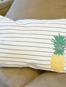 DIY pineapple pillows from Target placemats