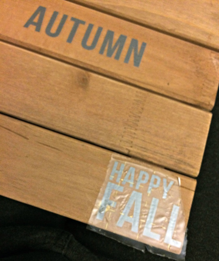 using transfer stickers for a DIY pallet wood sign