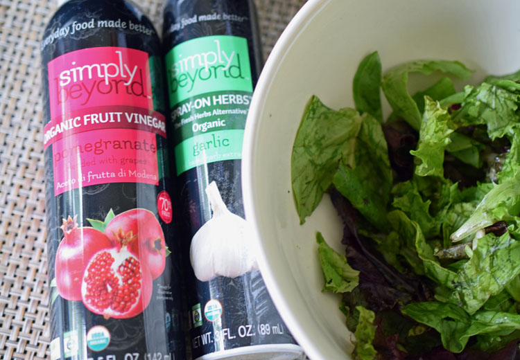 Vinegar fruit sprays are a healthy option for dressing a salad