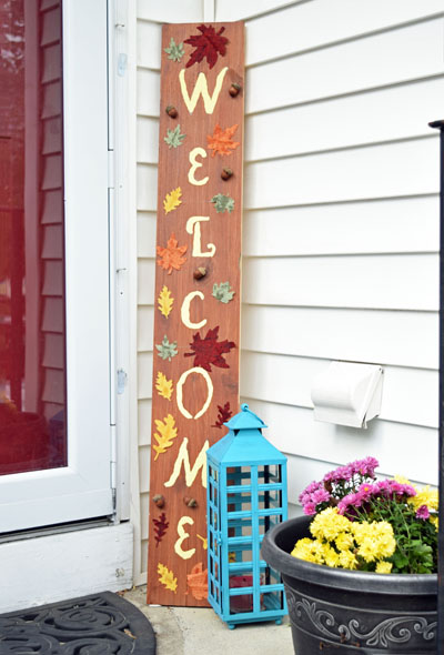 DIY fall welcome sign
