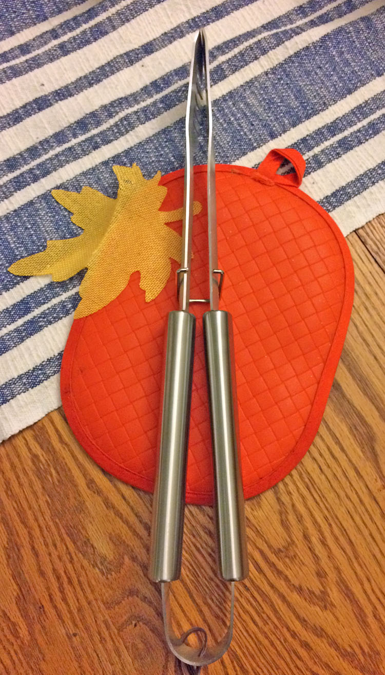 Grill tongs by Cave Tools
