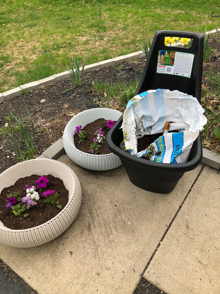 Keter Cozies planters and Easy Go Cart