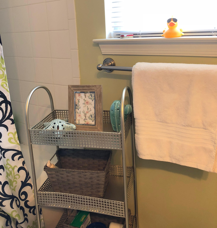 white Turkish cotton towels in a teen bathroom