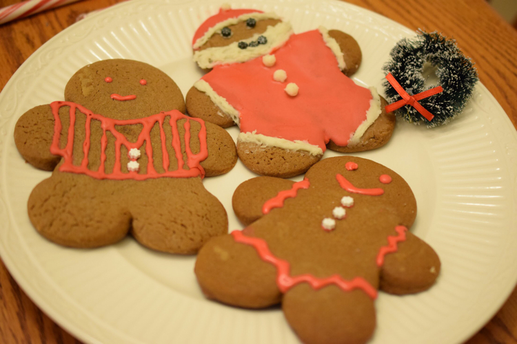 Love this easy and delicious gingerbread men recipe for the holidays!