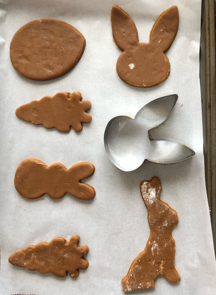 It's fun to bake gingerbread cookies for Easter