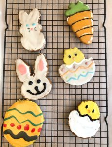 I love these decorated and iced lemon gingerbread cookies!