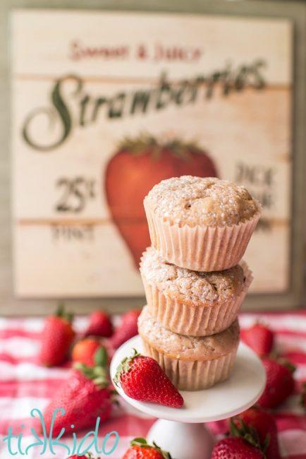 strawberry muffins recipe by Tikkido