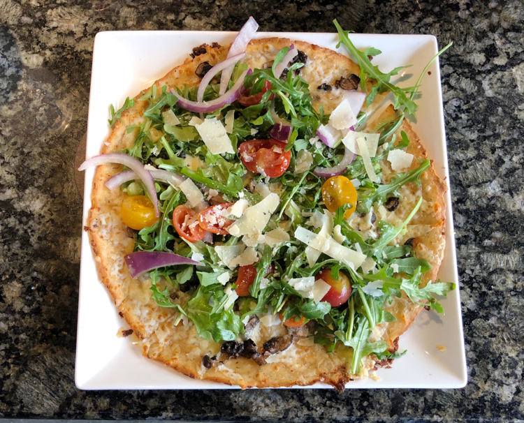 I love this delicious vegetable and shaved parmesan flatbread from Topgolf