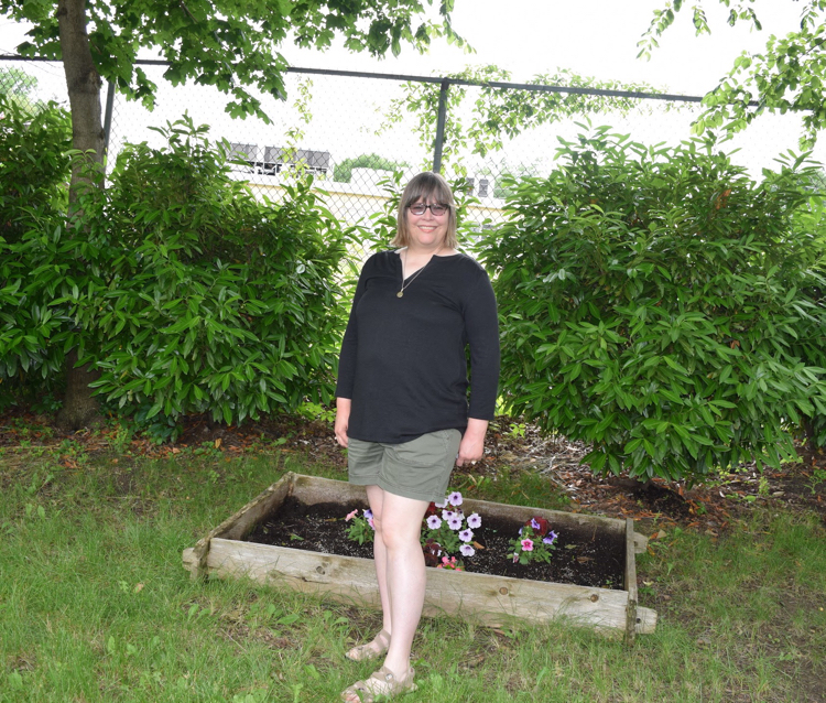 Olive shorts with Hawthorn Tulla Mixed Material Top from Stitch Fix