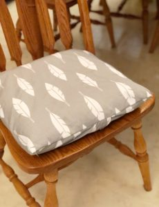 how to make easy envelope char cushion covers with ties