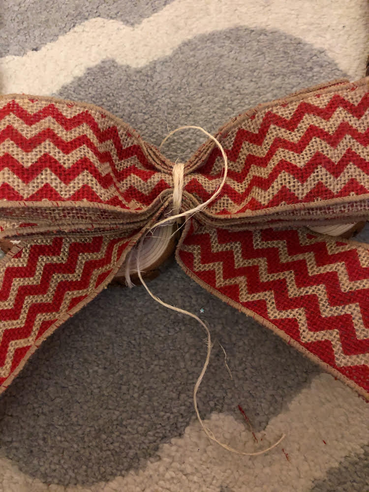 how to tie a burlap bow
