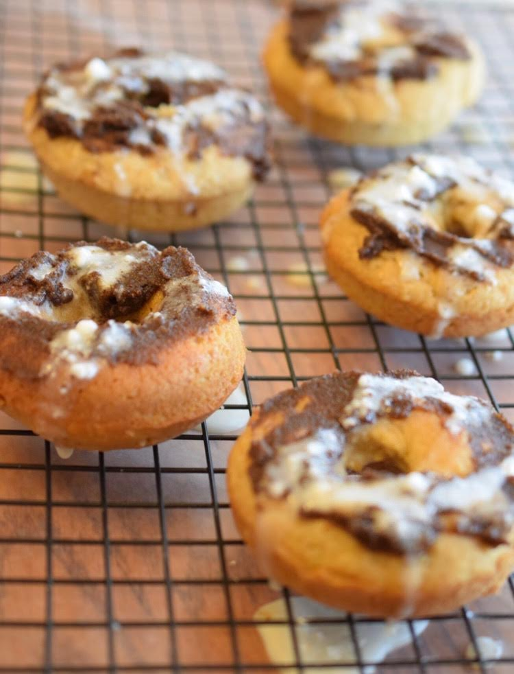 This cinnamon roll donut recipe is quick and easy and so tasty!