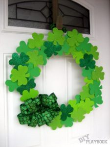DIY shamrock dollar store wreath by The DIY Playbook