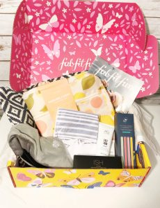My spring FabFitFun subscription box is filled with all sorts of fashion, beauty and home accessory finds.