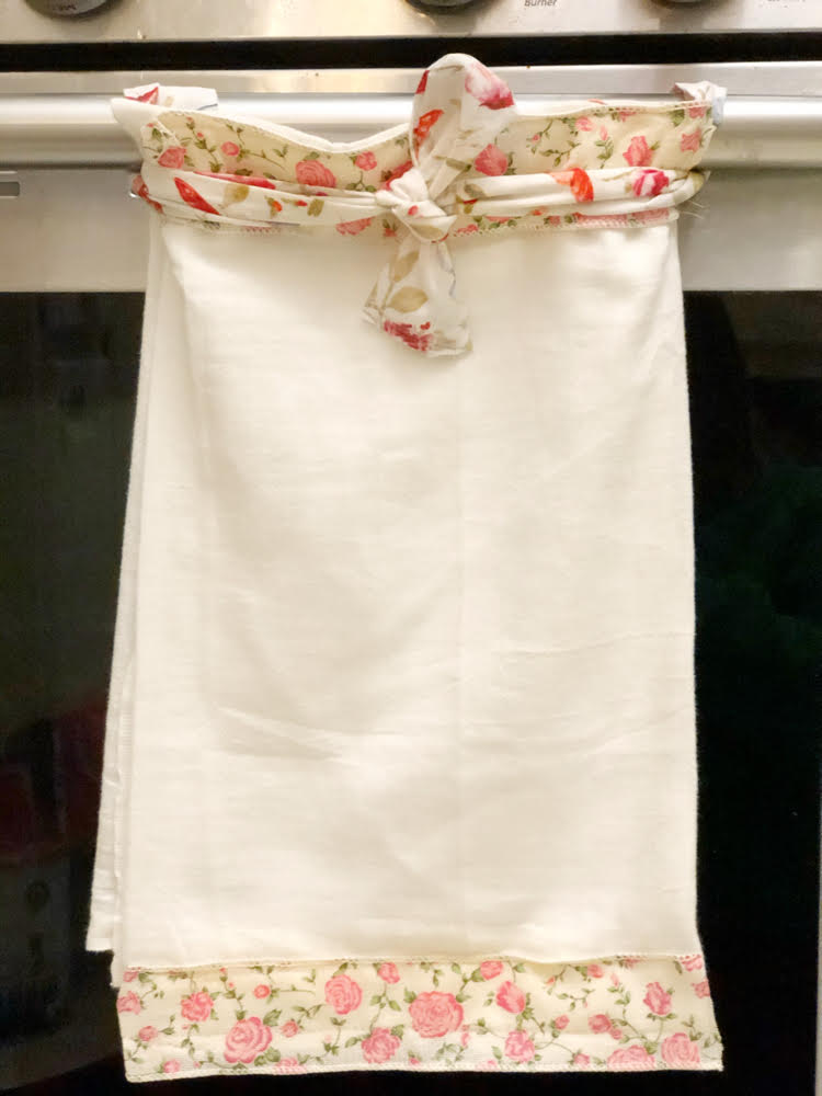 pretty diy hanging kitchen towels with ties